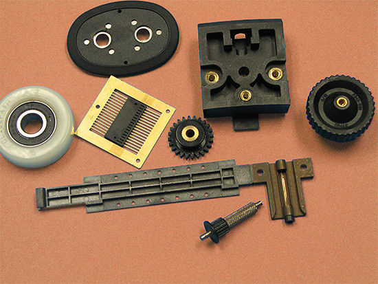 Plastic injection mold with POM material and metal part, the parts used in the daylife field