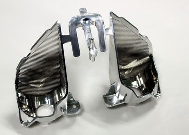 Sekundärverarbeitungsüberziehende Automobilspritzenteile, 2 Hohlräume mit Klappe